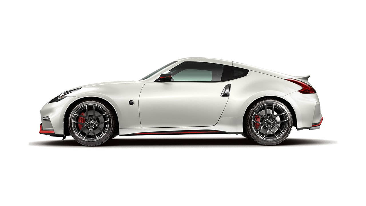 2018-370z-coupe-nismo-white-large