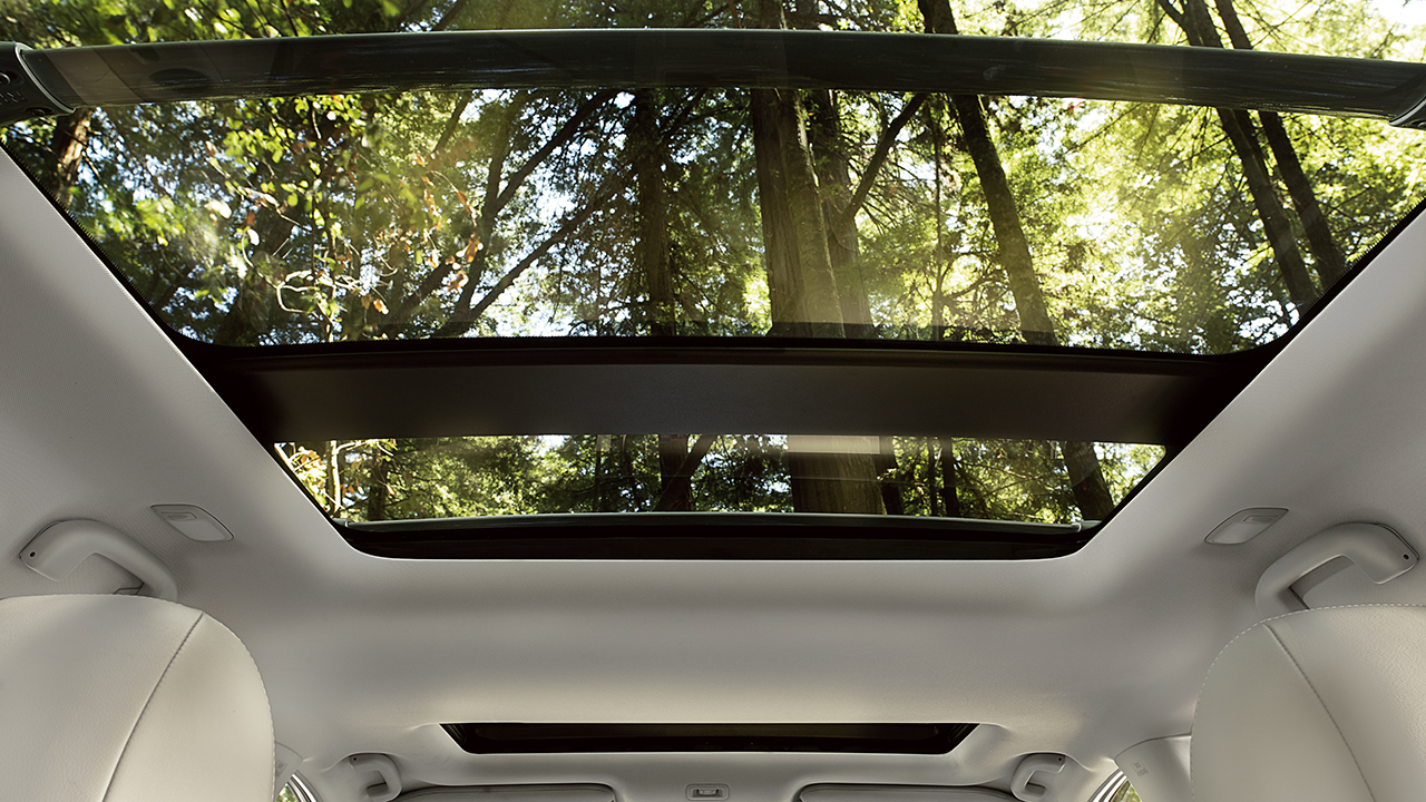 2017-nissan-pathfinder-dual-panel-panoramic-moonroof