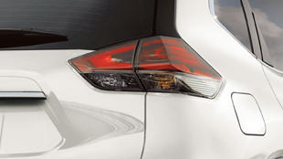 2017-nissan-rogue-led-taillights