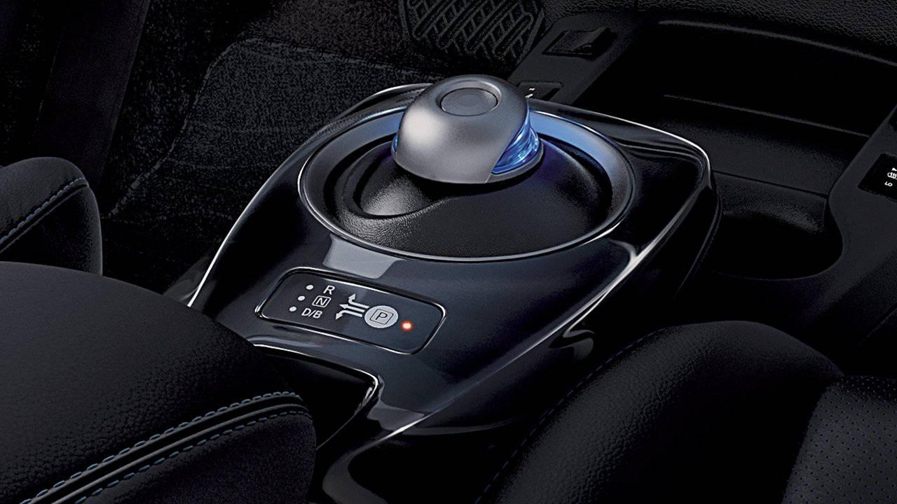 2017-nissan-leaf-drive-selector-large