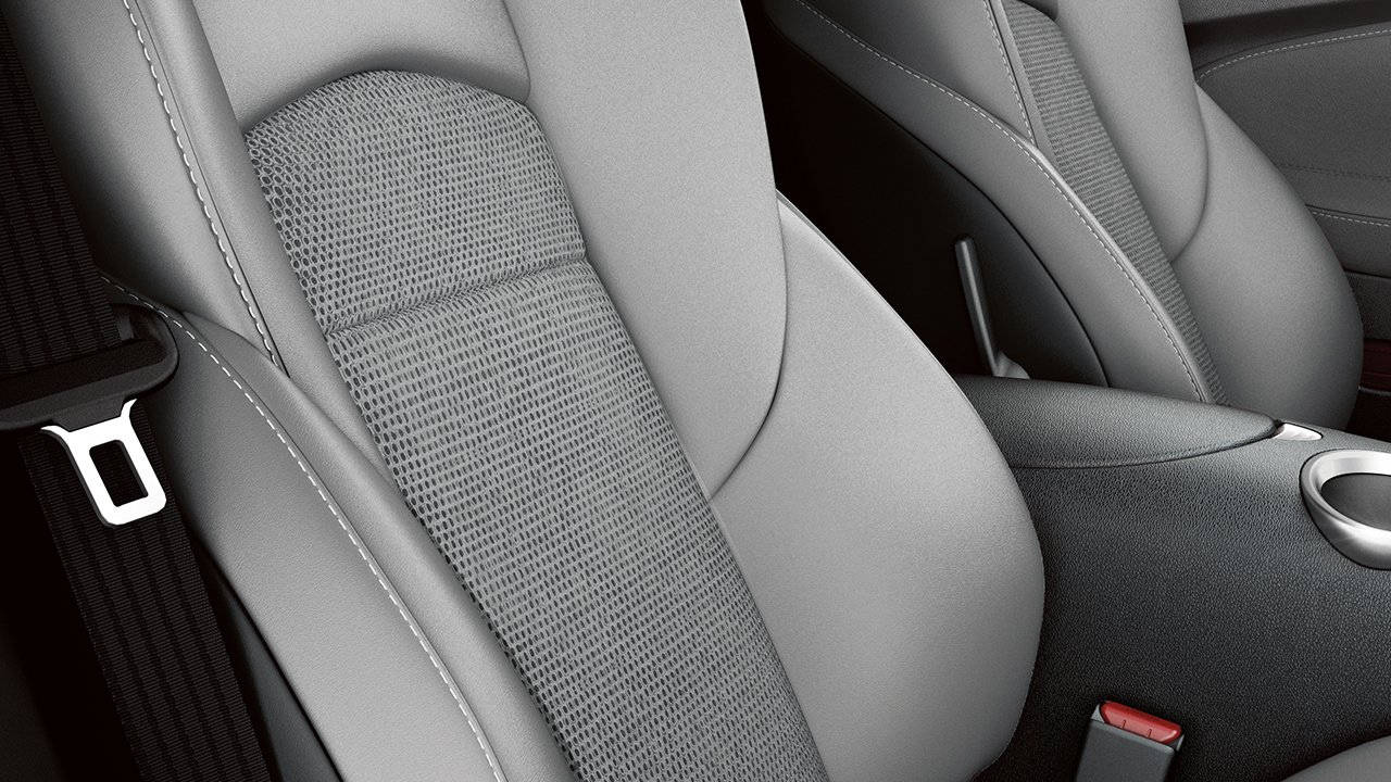 2018-nissan-370z-roadster-interior-passenger-seat-large
