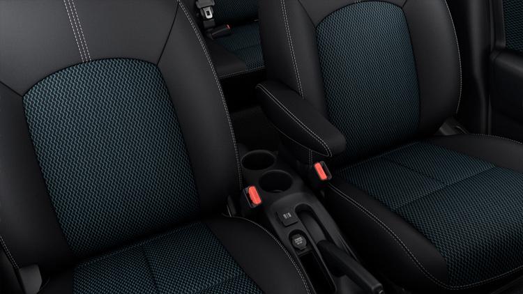 2017-nissan-versa-note-interior-seats-1