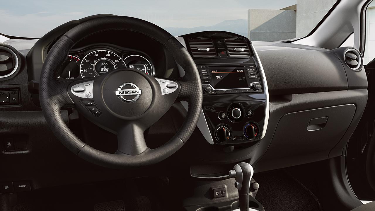 2017-nissan-versa-note-steering