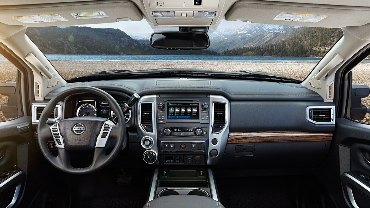 2017-nissan-titan-interior-layout