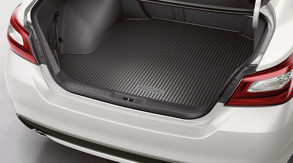 nissan-altima-trunk-protector