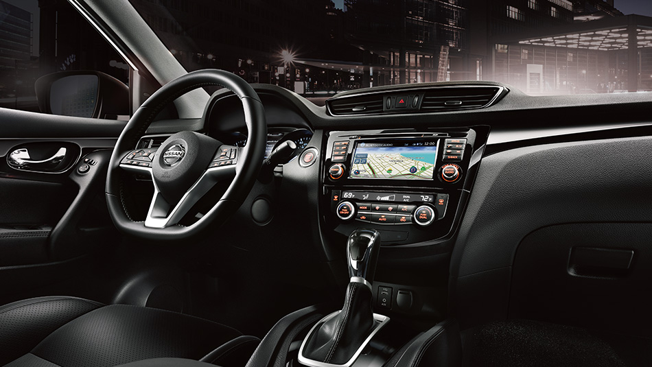 2018-nissan-qashqai-charcoal-leather-dash-lg